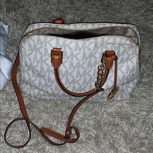 MK Hand/ shoulder bag